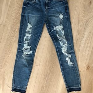 GUESS - Ripped jeans